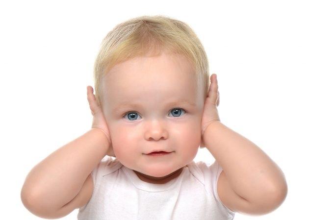 Trattamento precoce del linguaggio in bambini affetti da sordità